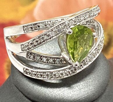 Lorenzo .925 Sterling Silver & White Gold Plated Natural Peridot & White Sapphire Ring, Size 7