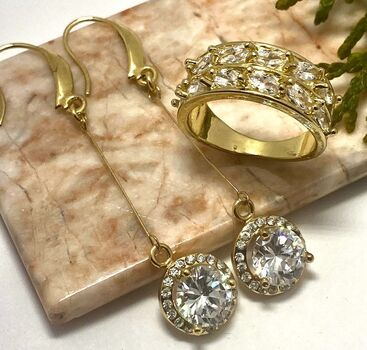 Lot of 1.10ctw Cubic Zirconia Ring Size 7 & 1.50ctw Cubic Zirconia Earrings