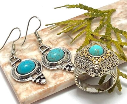 """Lot of 1/2""""x 3/8"""" Turquoise Earrings & Two-Tone, Turquoise Ring size 7"""