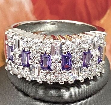 NO RESERVE Beautifully Created Fine Amethyst and White Sapphire Ring Size 7