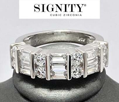 """NO RESERVE Celebrity Jewelry Collection .925 Sterling Silver, 2.25ct """"SIGNITY STAR"""" Cubic Zirconia Ring Size 7"""