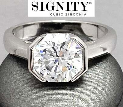 "NO RESERVE Celebrity Jewelry Collection .925 Sterling Silver, 6.00ctw ""SIGNITY STAR"" Cubic Zirconia  Ring Size 5"