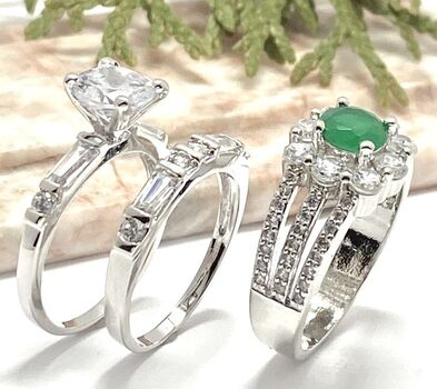 NO RESERVE Lot of 1.45ctw White Sapphire Ring Size 6 & 1.75ctw Emerald & White Sapphire Ring Size 7