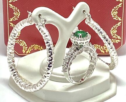 NO RESERVE Lot of 1.58ctw Emerald & White Sapphire Ring Size 7 & 40mm Hoop Earrings