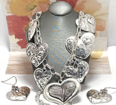NO RESERVE Set of Heart Necklace & Earrings