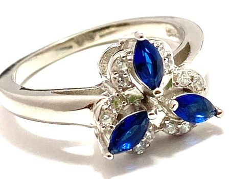 Solid .925 Sterling Silver, 0.40ctw White Topaz & Sapphire Ring sz 7