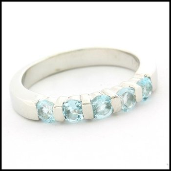 Solid .925 Sterling Silver, 1.25ctw Genuine Sky Blue Topaz Ring sz 9