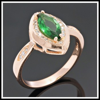 Solid .925 Sterling Silver, 1.50ctw White Sapphire & Emerald Ring sz 8