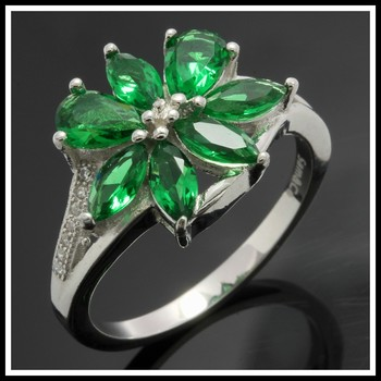 Solid .925 Sterling Silver, 1.85ctw  Emerald &  White Sapphire Ring sz 8