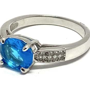 Solid .925 Sterling Silver, 3.7ctw Blue & White Topaz Ring Size 8
