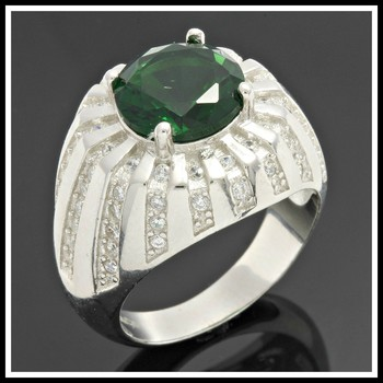 Solid .925 Sterling Silver Emerald Ring size  7
