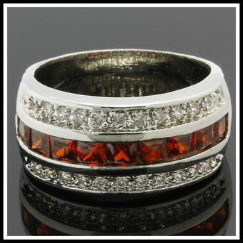 Solid .925 Sterling Silver Garnet & White Sapphire Ring Size 7