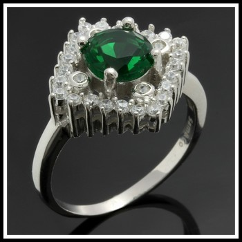 Solid .925 Sterling Silver,1.58ctw  Emerald &  White Sapphire Ring sz 7