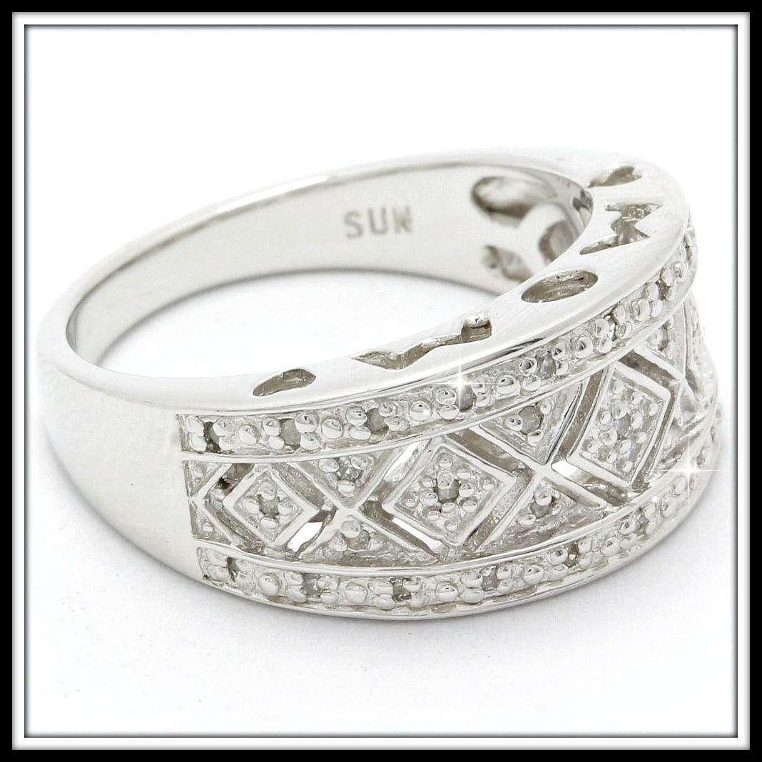 35 Genuine 0 10ctw Diamonds, Solid  925 Sterling Silver