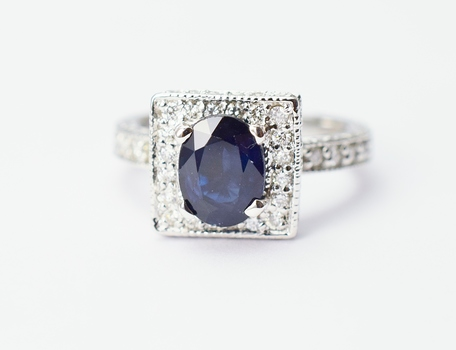 14K White Gold 5.56 Grams Square Halo Style Ring With Oval Shape Sapphire Center Stone
