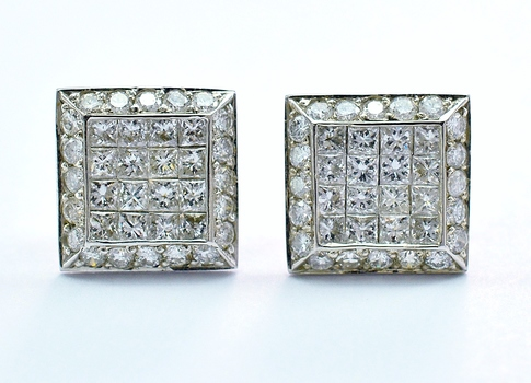 14K White Gold 3.00 Grams 2.19 Carats t.w. Princess Cut Diamond Invisible Set Square Earrings