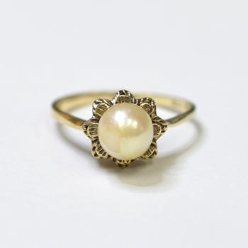 10K Yellow Gold 2.60 Grams Pearl Ring