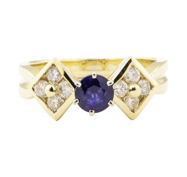 14K Yellow Gold 4.46 Grams Diamond Ring w/ Sapphire Center Stone