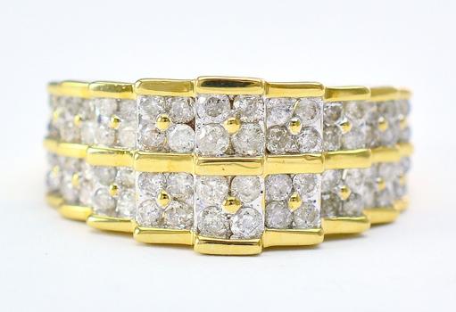 10K Yellow Gold 5.67 Grams 1.00 Carat t.w. Round Diamond Pyramid Design Cluster Ring