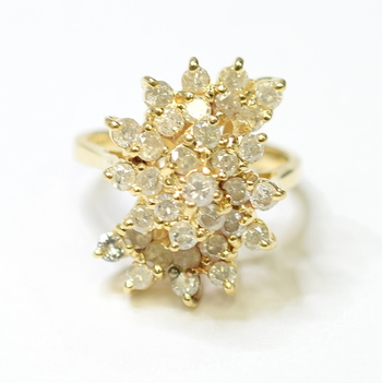 14K Yellow Gold 6.10 Grams 1.50 Carats t.w. Round Diamond Lady's Ring