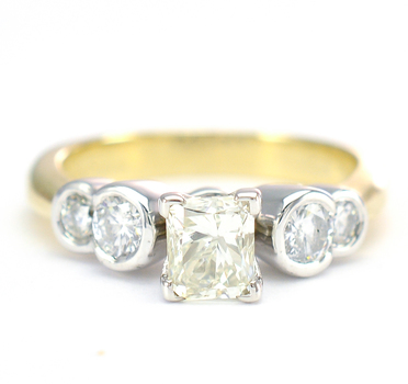 14K White Gold 5.50 Grams 1.15 Carats t.w. Princess and Round Diamond Lady's Ring