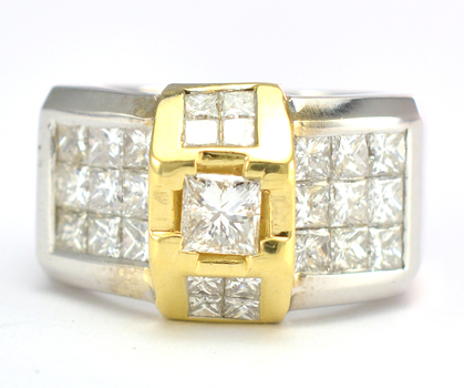 18K Two Tone Gold 13.70 Grams 2.87 Carats t.w. Princess Diamond Lady's Ring