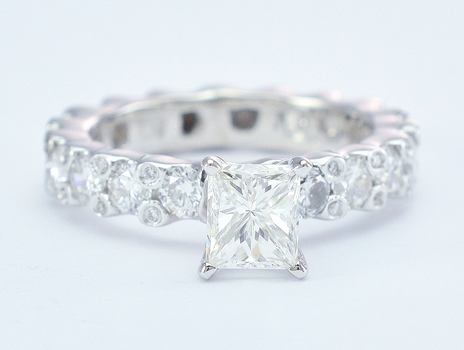 14K White Gold 4.95 Grams 1.00 Carat t.w. Diamond Lady's Ring With 0.91 Carat t.w. Rectangular Modified Brilliant Diamond Center Stone