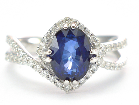 18K White Gold 5.50 Grams 0.45 Carat t.w. Diamond Split Shank Ring With 2.08 Carats Natural Blue Sapphire Center Stone