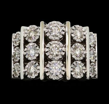 14K White Gold 10.80 Grams 1.50 Carats t.w. Diamond Ring