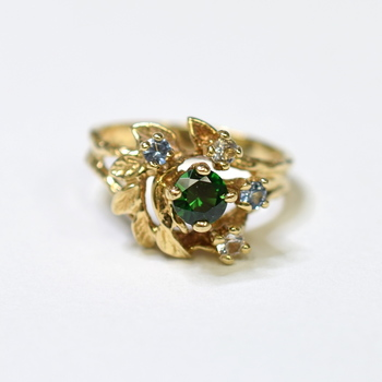 10K Yellow Gold 3.65 Grams Multi - Colored Stones Ring
