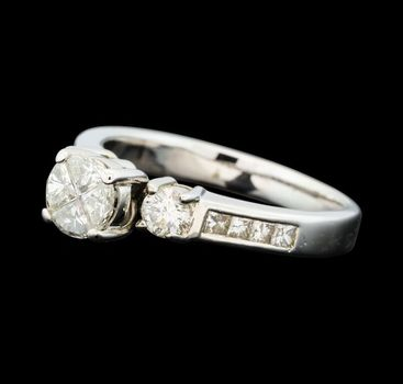 14K White Gold 4.90 Grams 0.75 Carat t.w. Diamond Lady's Ring