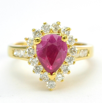 14K Yellow Gold 4.80 Grams Pear Shape Halo Style Diamond Ring With Natural Ruby Center Stone