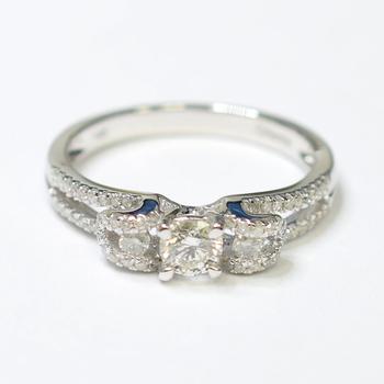 14K White Gold 3.10 Grams Diamond Engagement Ring