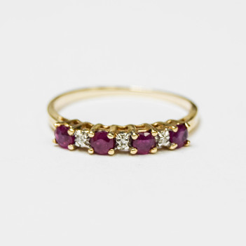 10K Yellow Gold 1.40 Grams Ruby and Diamond Ring