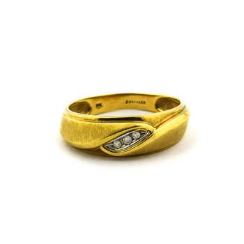 10K Yellow Gold 4.00 Grams Three Stone Diamond Band