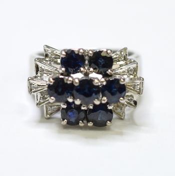 18K White Gold 7.80 Grams Sapphire and Diamond Ring