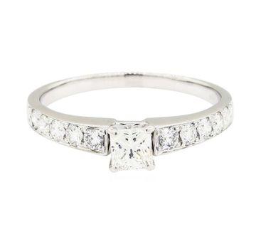 14K White Gold 3.20 Grams 1.00 Carat t.w. Diamond Lady's Ring