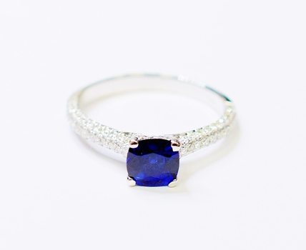 14K White Gold 2.65 Grams Sapphire and Diamond Lady's Ring