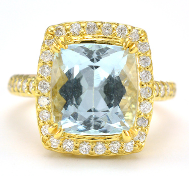 14K Yellow Gold 8.10 Grams Diamond Halo Style Ring With 4.99 Carats Natural Aquamarine Center Stone