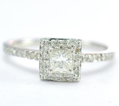 14K White Gold 2.75 Grams 0.45 Carat t.w. Diamond Square Halo Style Ring
