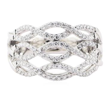 18K White Gold 5.20 Grams 0.70 Carat t.w. Diamond Lady's Ring