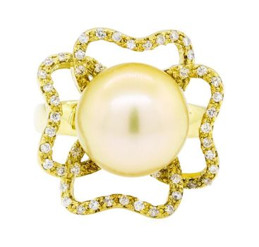 18K Yellow Gold 12.80 Grams South Sea Cultured Pearl and Diamond Ring
