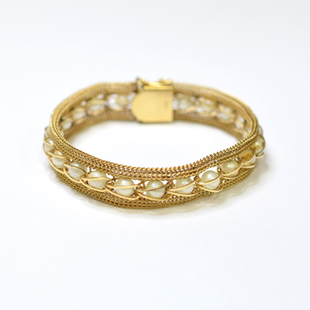 14K Yellow Gold 19.75 Grams Pearl Vintage Inspired Bracelet