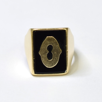 "14K Yellow Gold 13.35 Grams ""O"" Initial Onyx Ring"