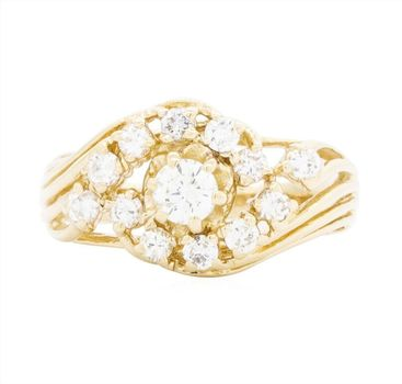 14K Yellow Gold 4.20 Grams 0.86 Carat t.w. Diamond Lady's Ring