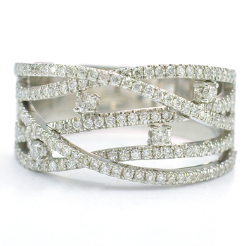 14K White Gold 8.50 Grams 1.05 Carats t.w. Diamond Lady's Ring