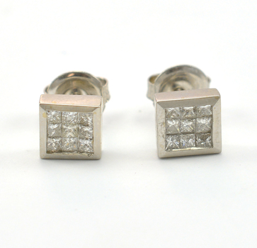 14K White Gold 2.82 Grams 0.73 Carat t.w. Princess Cut Diamond Invisible Set Square Earrings