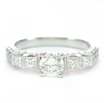 18K White Gold 4.60 Grams 1.21 Carats t.w. Diamond Vintage Inspired Lady's Ring
