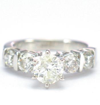 14K White Gold 4.80 Grams 1.46 Carats t.w. Diamond Lady's Ring