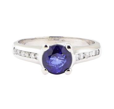 14K White Gold 5.20 Grams Diamond Ring w/ Sapphire Center Stone